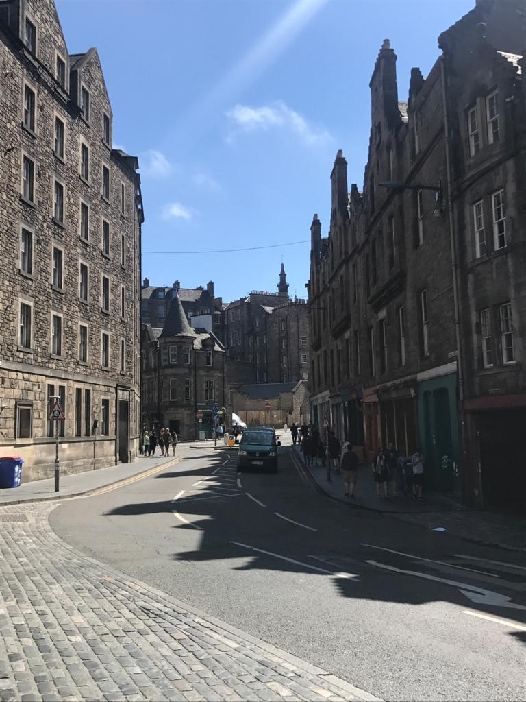 Calles de Edimburgo, capital de Escocia