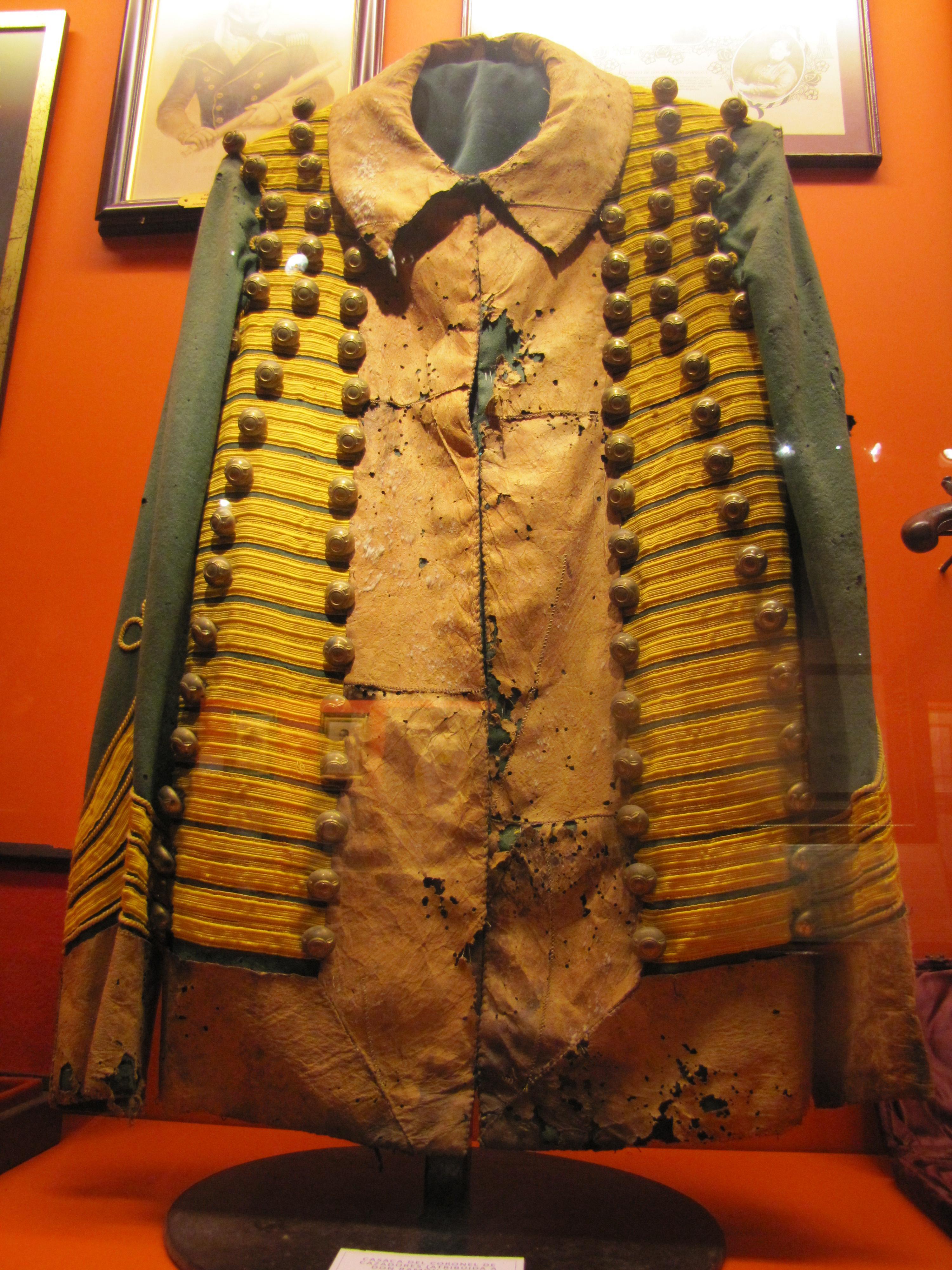 Casaca del coronel de cazadores, atribuida a don Ramón Freire en Museo de Colchagua