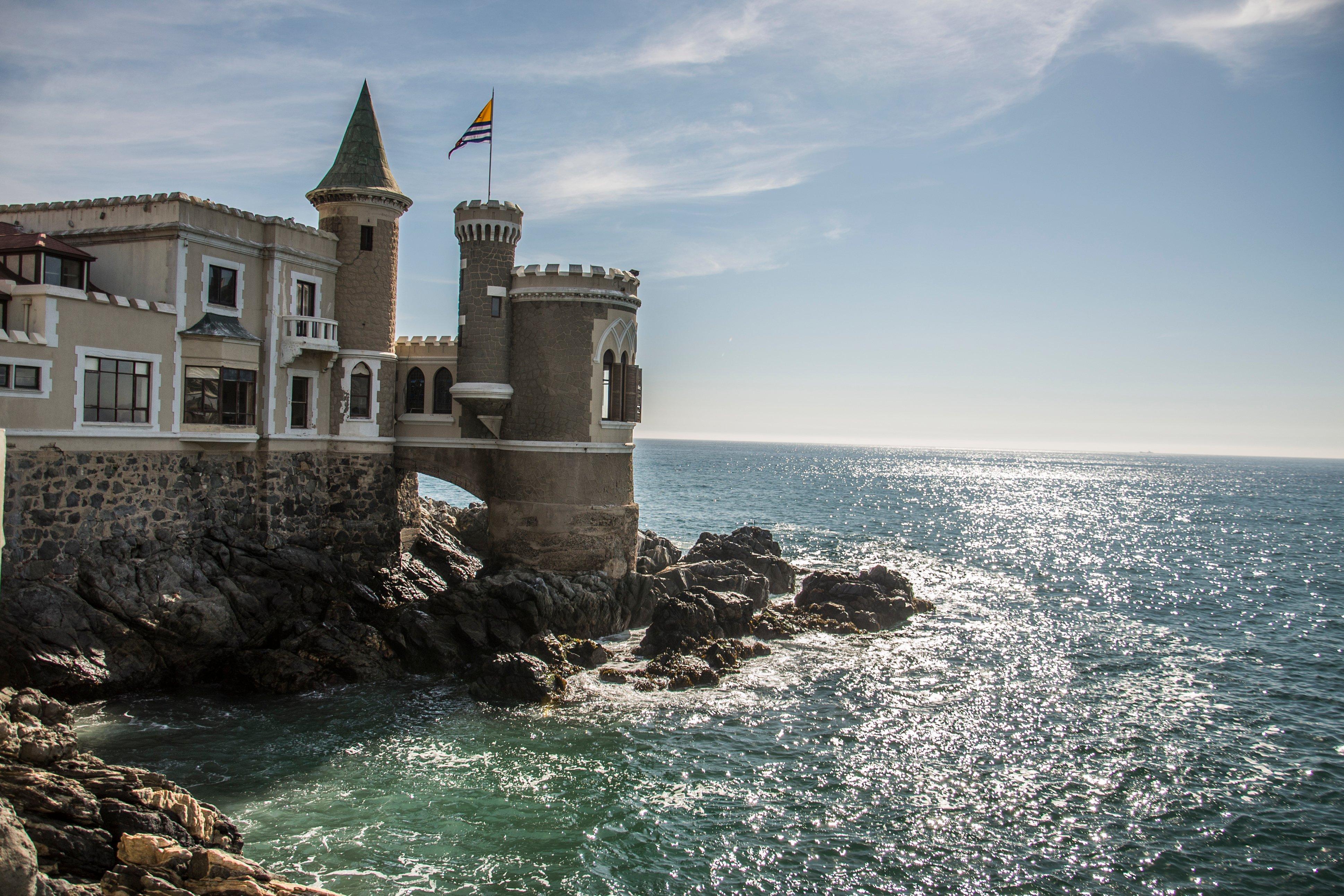 Castillo Wulff en Viña del Mar junto al mar