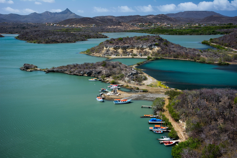 Curazao desde el aire en el mar Caribe