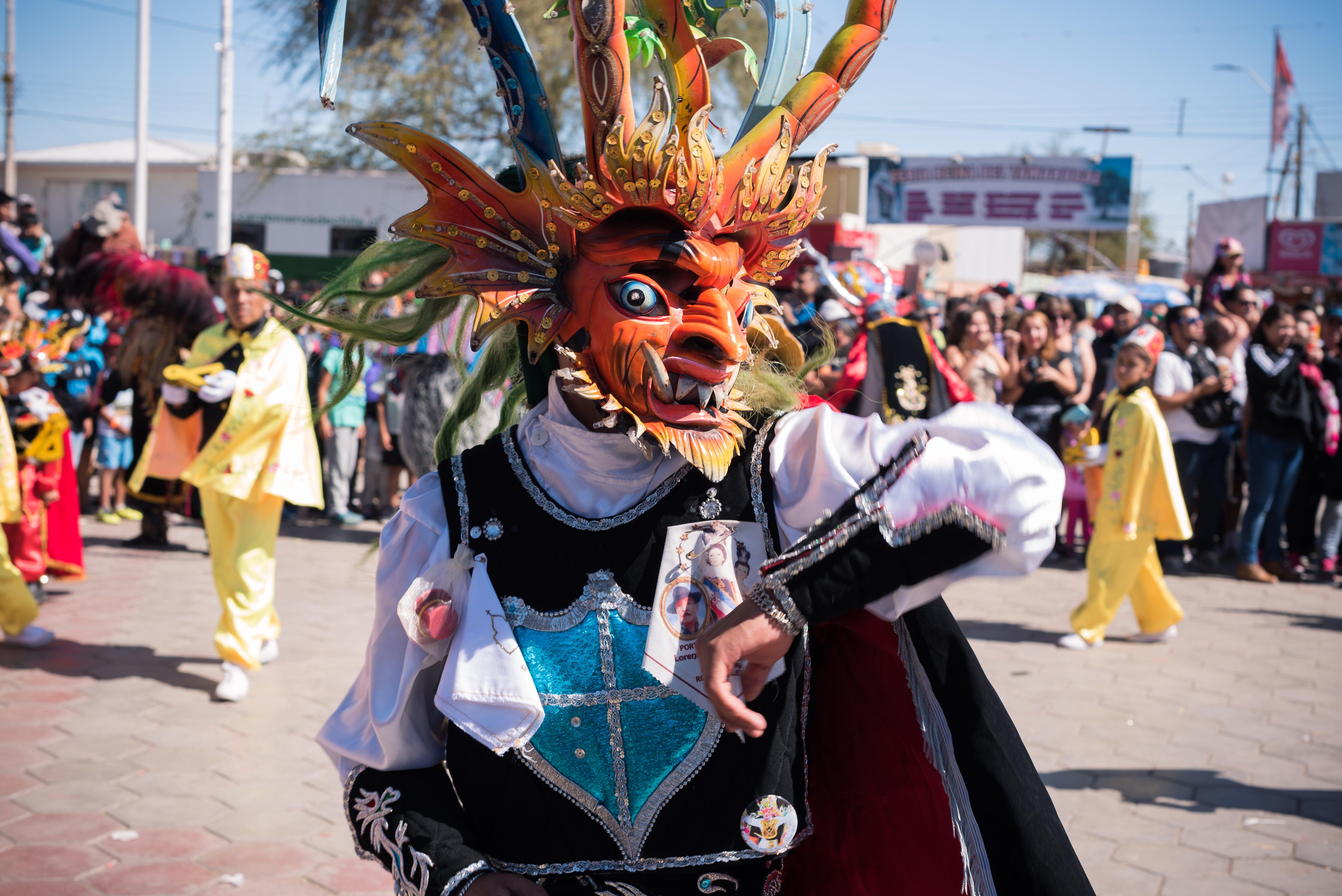 Bailarín disfrazado en la Fiesta de La Tirana