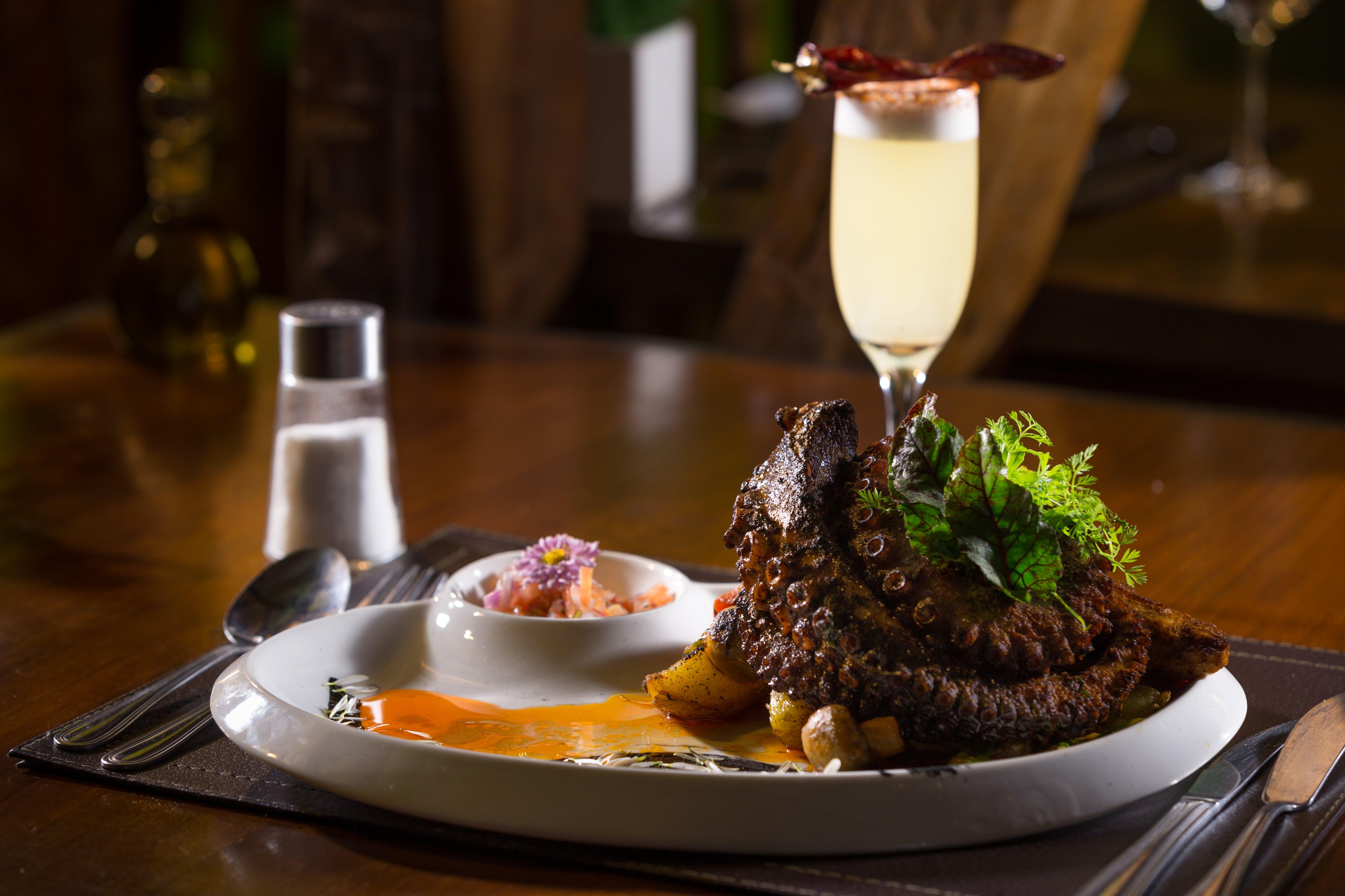 Gastronomía típica en restaurantes de Valparaíso
