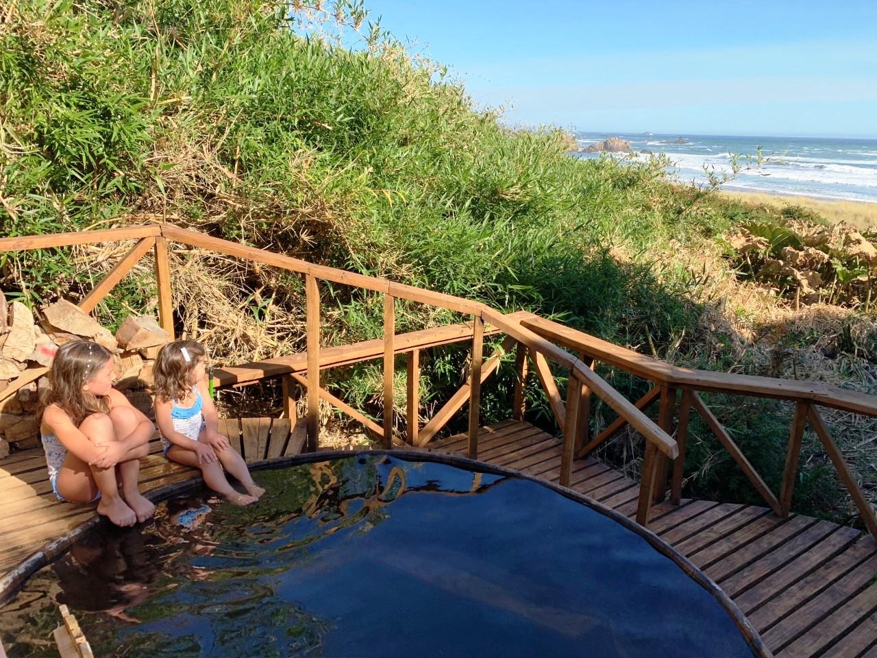 Hot Tub del Hotel Mari Mari con dos niñas