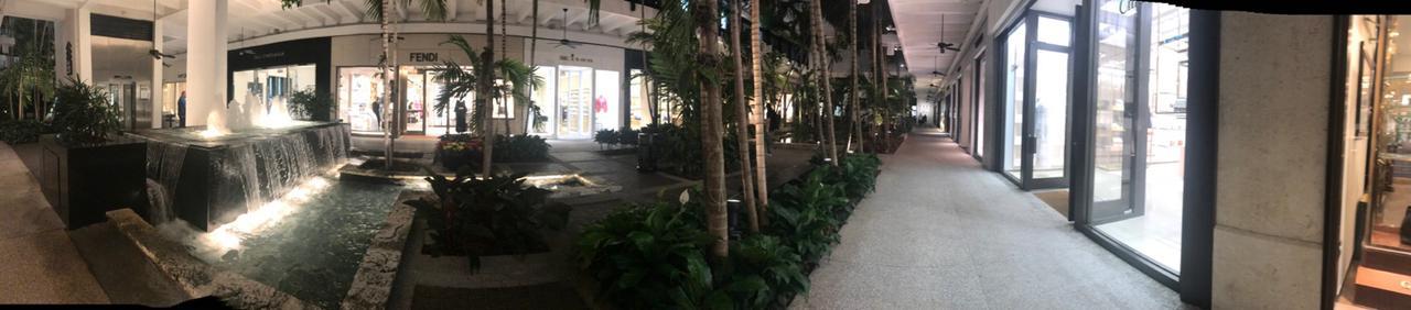 Panorámica de un mall en Miami