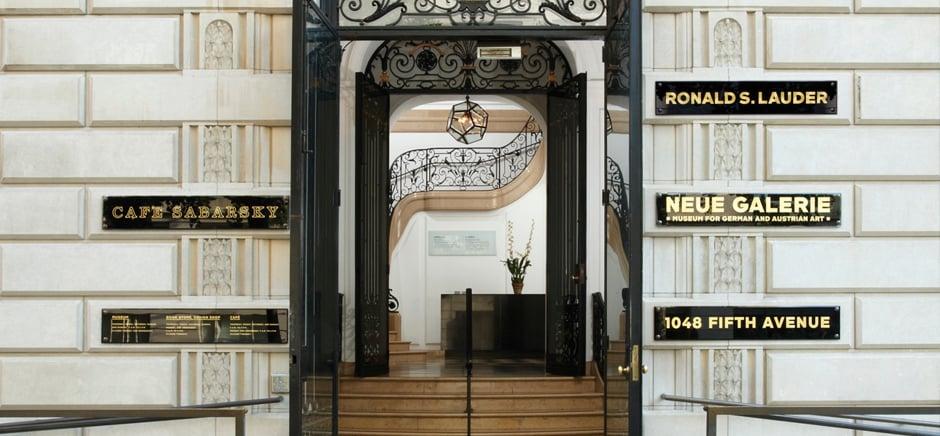 Entrada a Neue Galerie en Nueva York