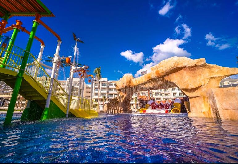 Planet Hollywood Beach Resort Cancún en Riviera Maya, México