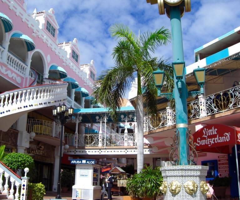 Tiendas en Oranjestad, capital de Aruba