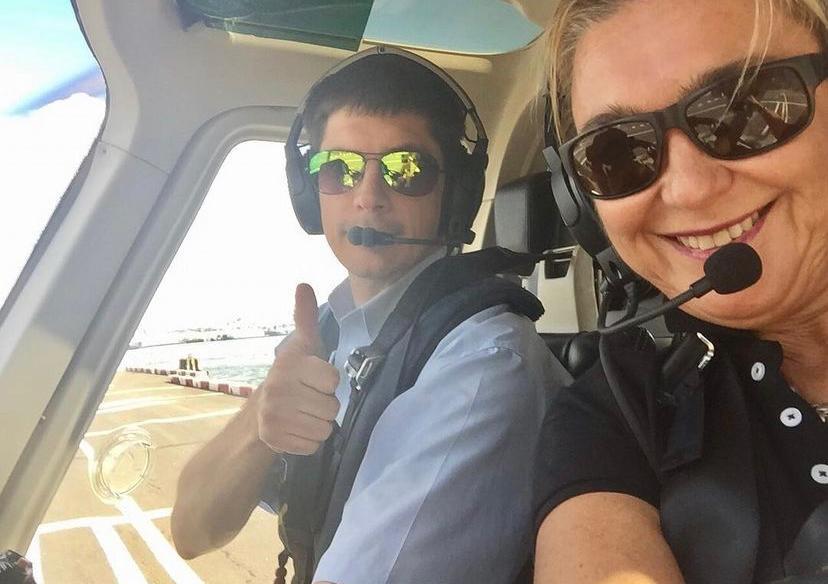 Selfie en tour en helicóptero en Islas Caimán