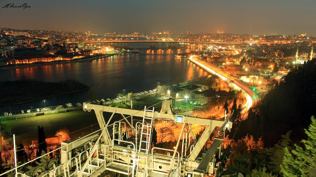 Vista a Estambul desde el café Pierre Loti en Turquía
