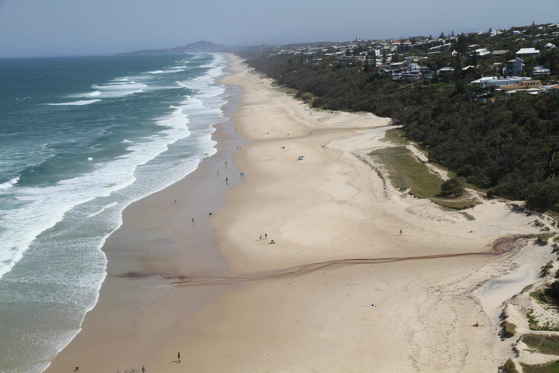 Vista aérea de la playa de Noosa, Australia