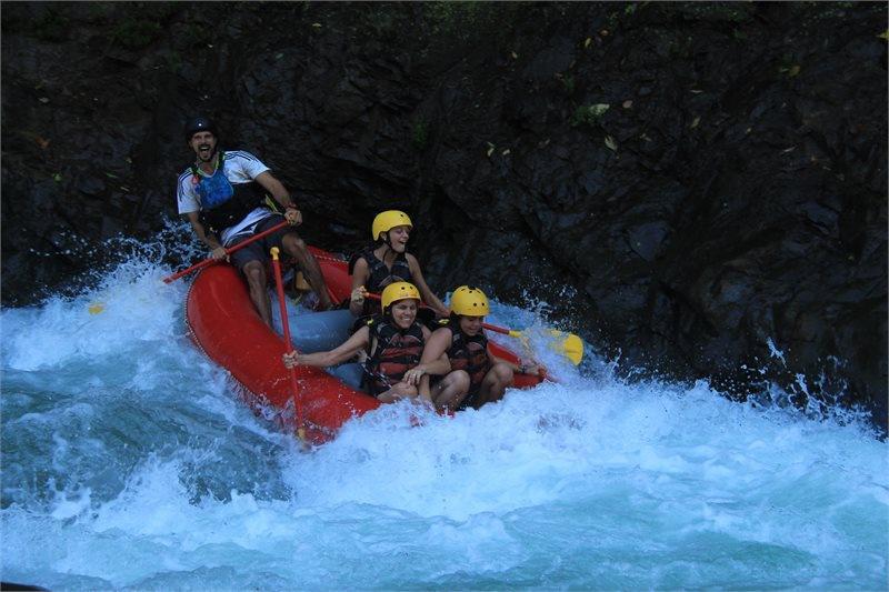 Rafting en el río Naranjo