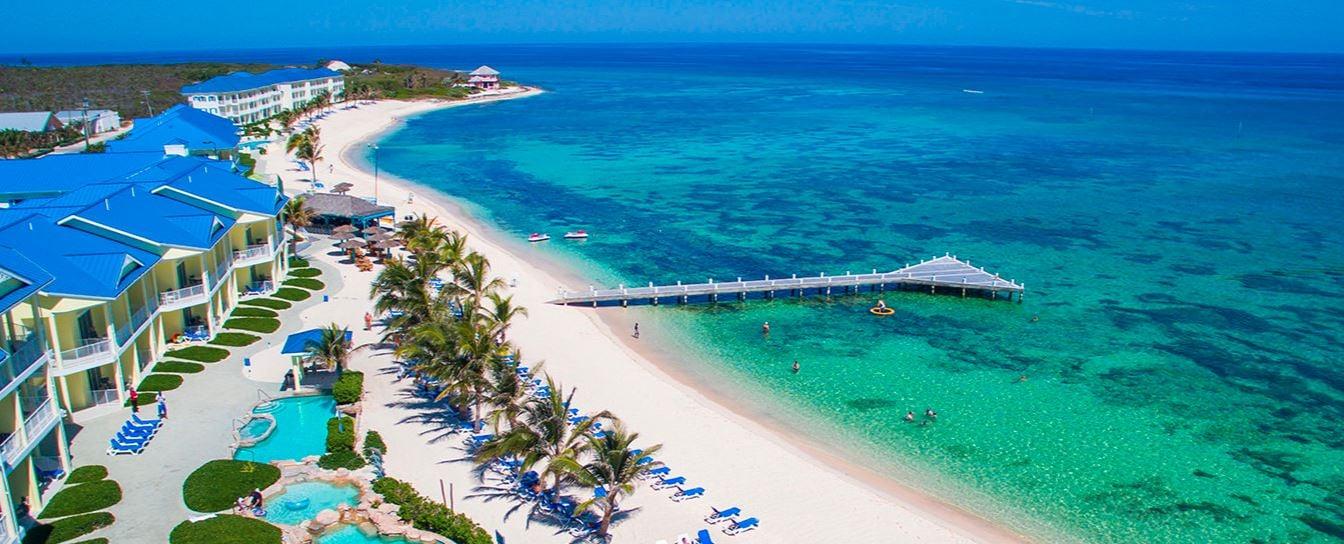 Vista aérea del hotel Wyndham Reef Resort en Islas Caimán