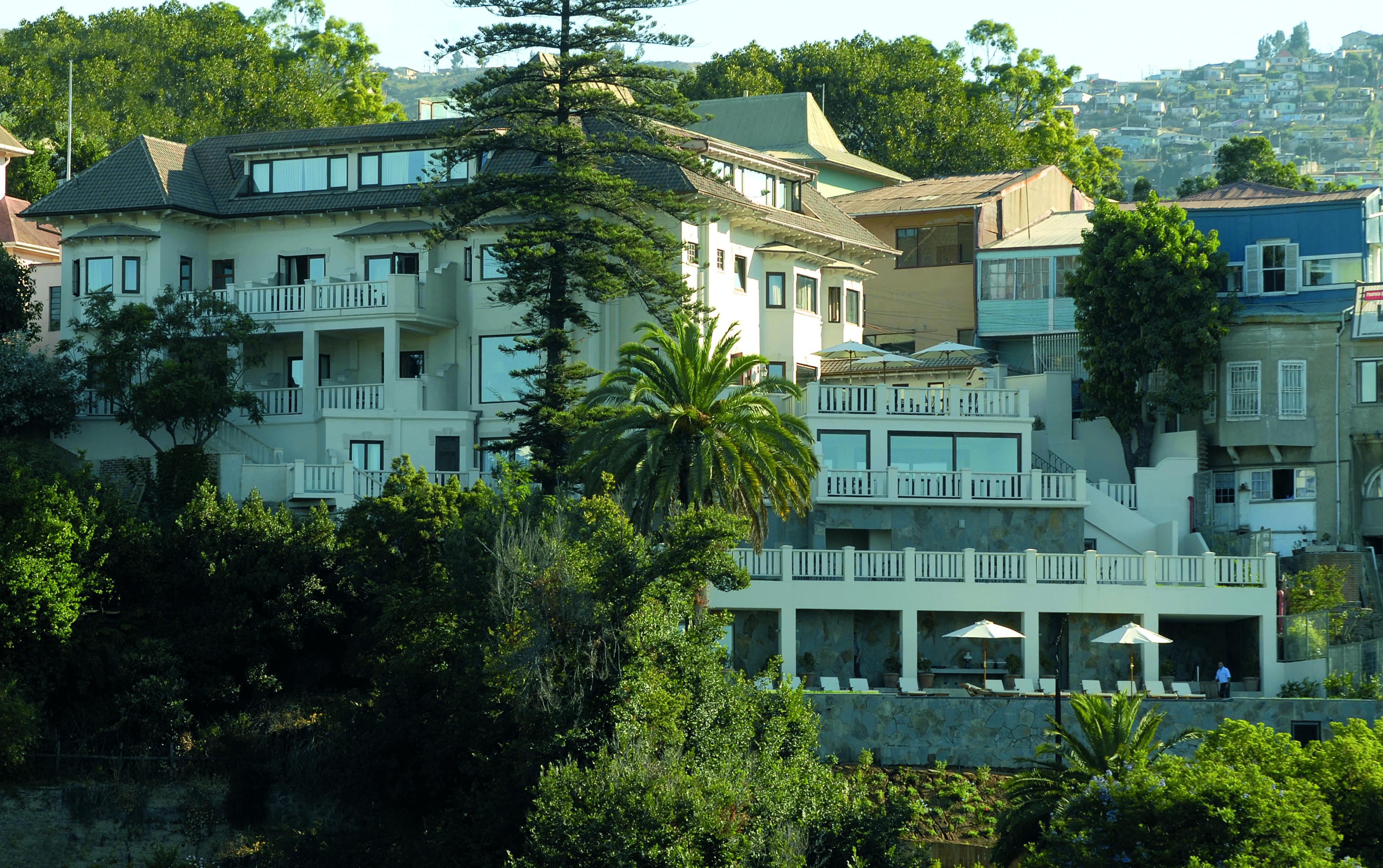 Fachada del Hotel Casa Higueras en Valparaíso