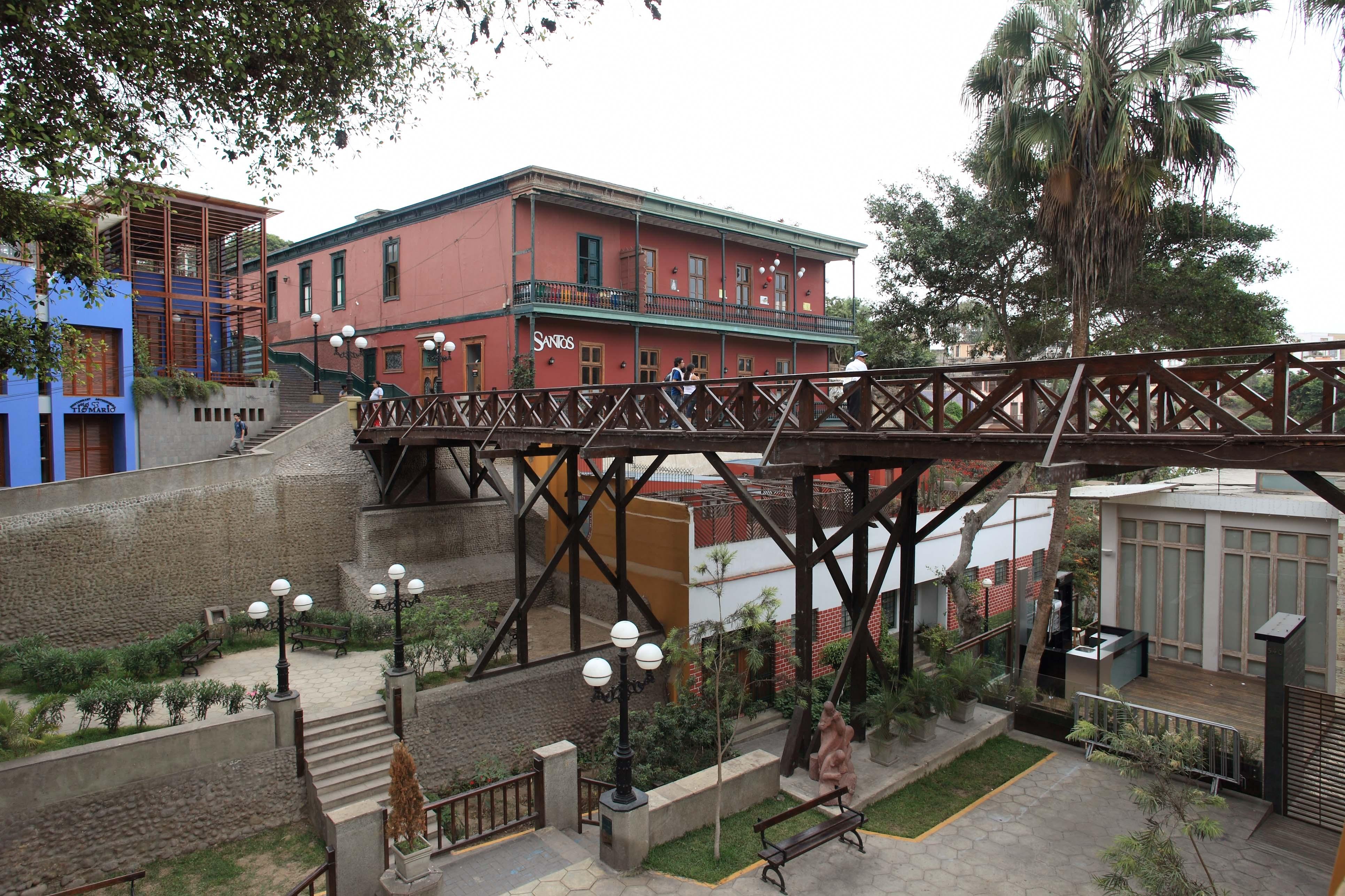 Puente de los Suspiros, Barranco