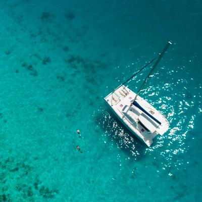 En-yate-por-el-Caribe
