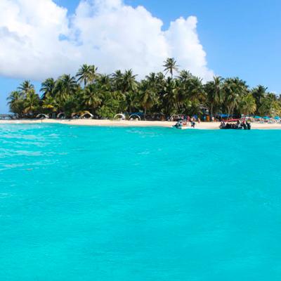 Isla-de-San-Andres-y-el-mar-de-los-siete-colores-de-Colombia